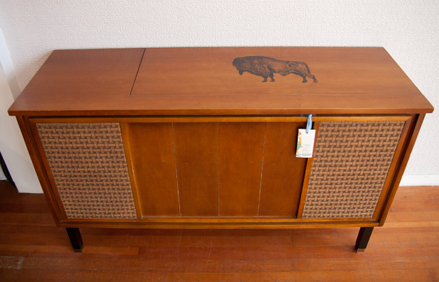 Exceptional Jan Of Modhaus Repurposed The Vintage Stereo Cabinet Into A Sleek Storage