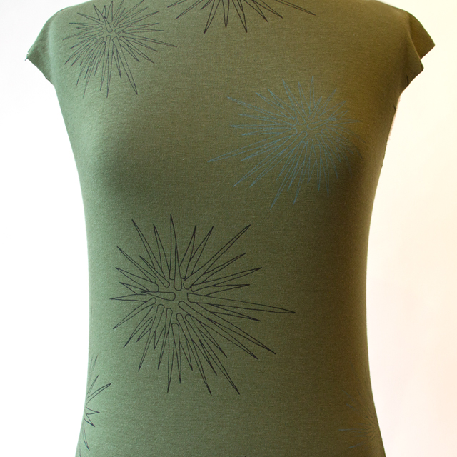 Simple-Tee-Olive-with-Sea-Urchins