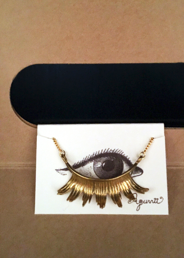 Aquvii-Eyelash-Necklace
