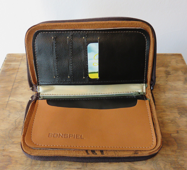 Bonspiel - zip around wallet