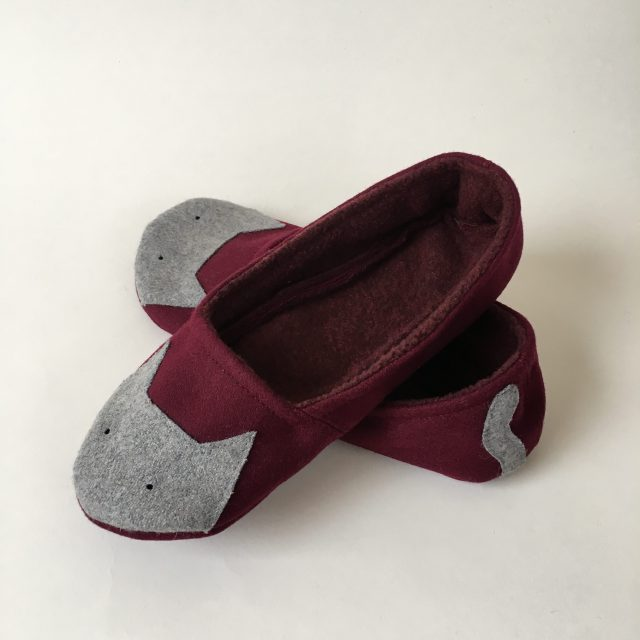 Wool Slippers - Wine with Cats